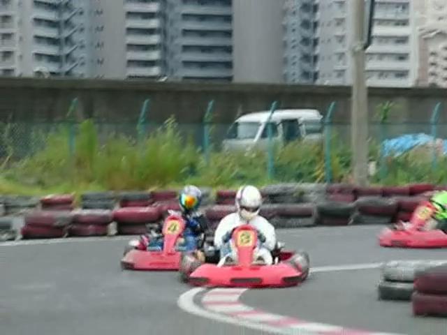 追走、コーナーリング、Cornering、レース、Race、Kart、カート、レンタル、Rental、モータースポーツ、MotorSports、ドライビング、Driving