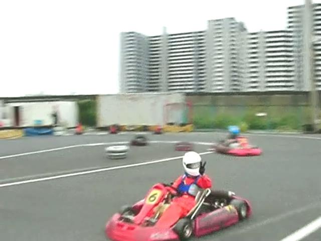 Kartoff♪体験型 Vol.80 Sprint Race スプリントレース 1Corner 1コーナー 立ち上がり 脱出 ピースサイン Peace Sign Vサイン 余裕 アピール Appeal シティカート レンタルカート MotorSports モータースポーツ Kart CityKart City Kart