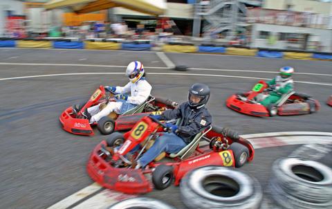 熱戦型Kartoff♪ CityKart シティカート City Kart カートオフ レンタルカート Rental Kart MotorSports モータースポーツ レース Race 併走接戦 サイドバイサイド Side By Side Exhibition Race エキシビジョンレース 魅せる 醍醐味 味わう